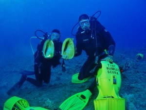 Hornet Helmet Divers with Tiny Bubbles Scuba