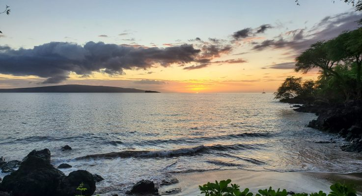 Sunset @ Makena Landing